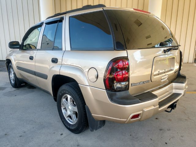 2004 Chevrolet TrailBlazer LT 4WD for sale at Ideal Motorcars