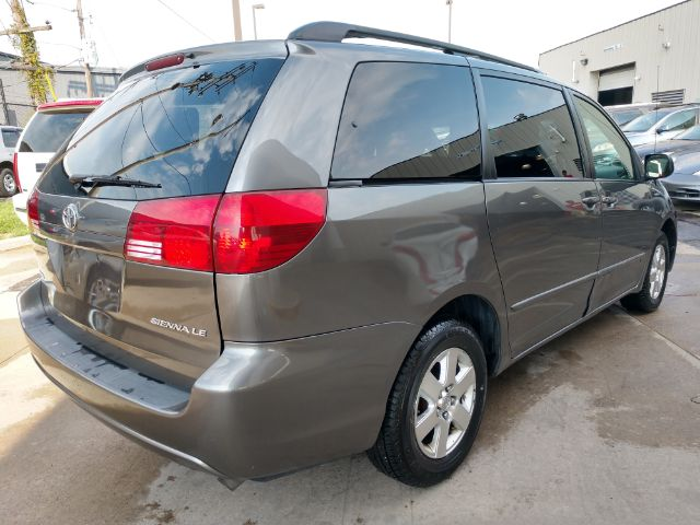 2005 Toyota Sienna LE - 8 Passenger Seating for sale at Ideal Motorcars