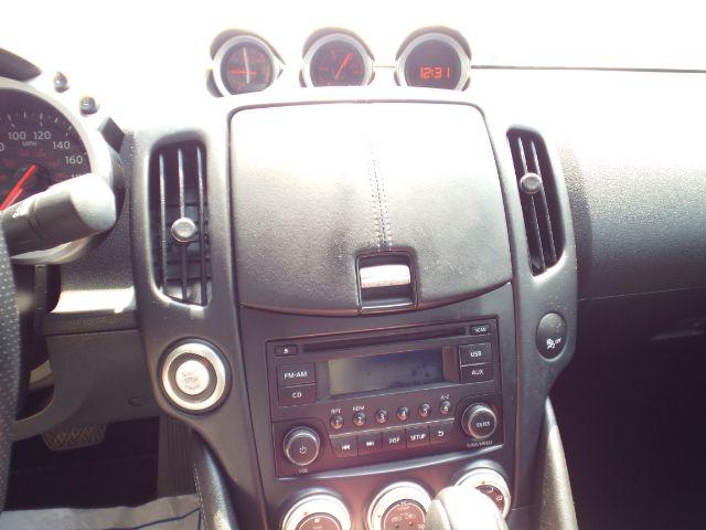 2018 Nissan 370Z COUPE Base for sale at Carena Motors