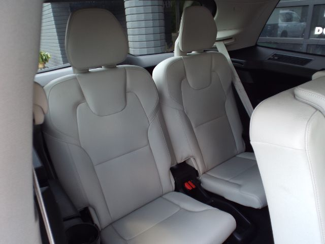 2019 Volvo XC90 T6 Momentum AWD for sale at Carena Motors