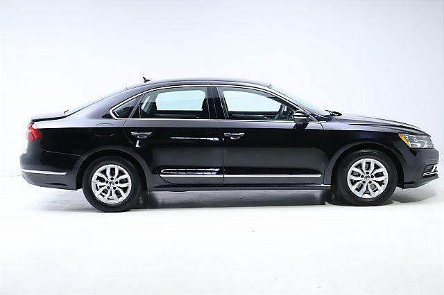 2017 Volkswagen Passat S 6A for sale at Carena Motors