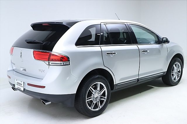 2013 Lincoln MKX FWD for sale at Carena Motors