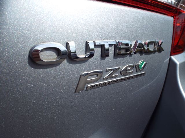 2015 Subaru Outback 2.5i Limited for sale at Carena Motors