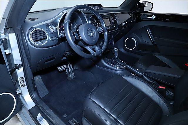 2012 Volkswagen Beetle 2.0T Turbo w/Sunroof & Sound for sale at Carena Motors