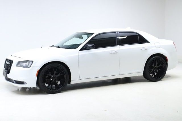 2019 Chrysler 300 for sale in Twinsburg, Ohio