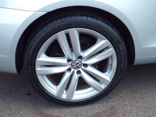 2014 Volkswagen Eos Executive for sale at Carena Motors