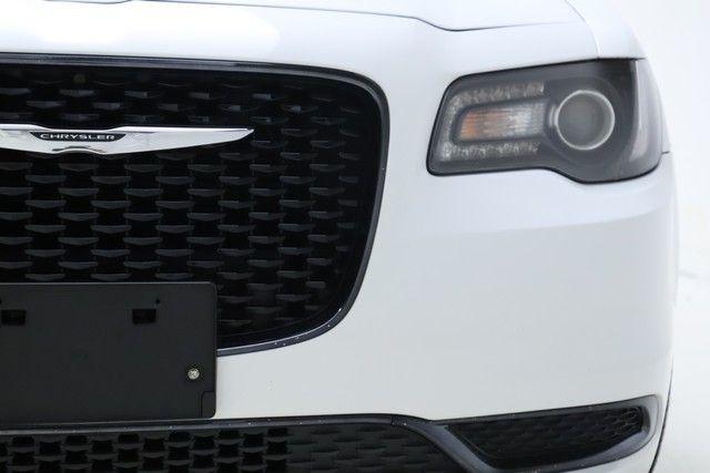 2019 Chrysler 300 Touring for sale at Carena Motors