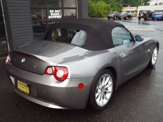 2005 BMW Z4 2.5i for sale at Carena Motors