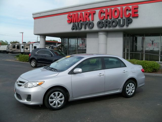 2011 TOYOTA COROLLA LE 4-SPEED AT 95k miles Options ABS Brakes Air Conditioning AMFM Radio CD